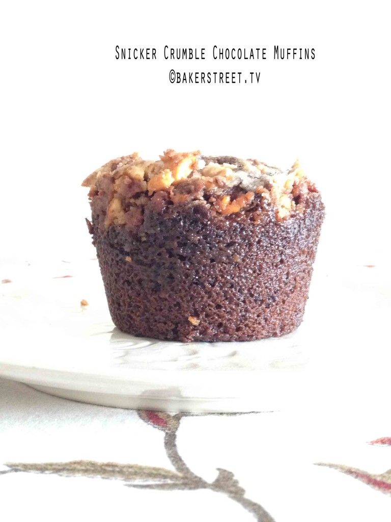 Snicker Crumble Chocolate Muffins